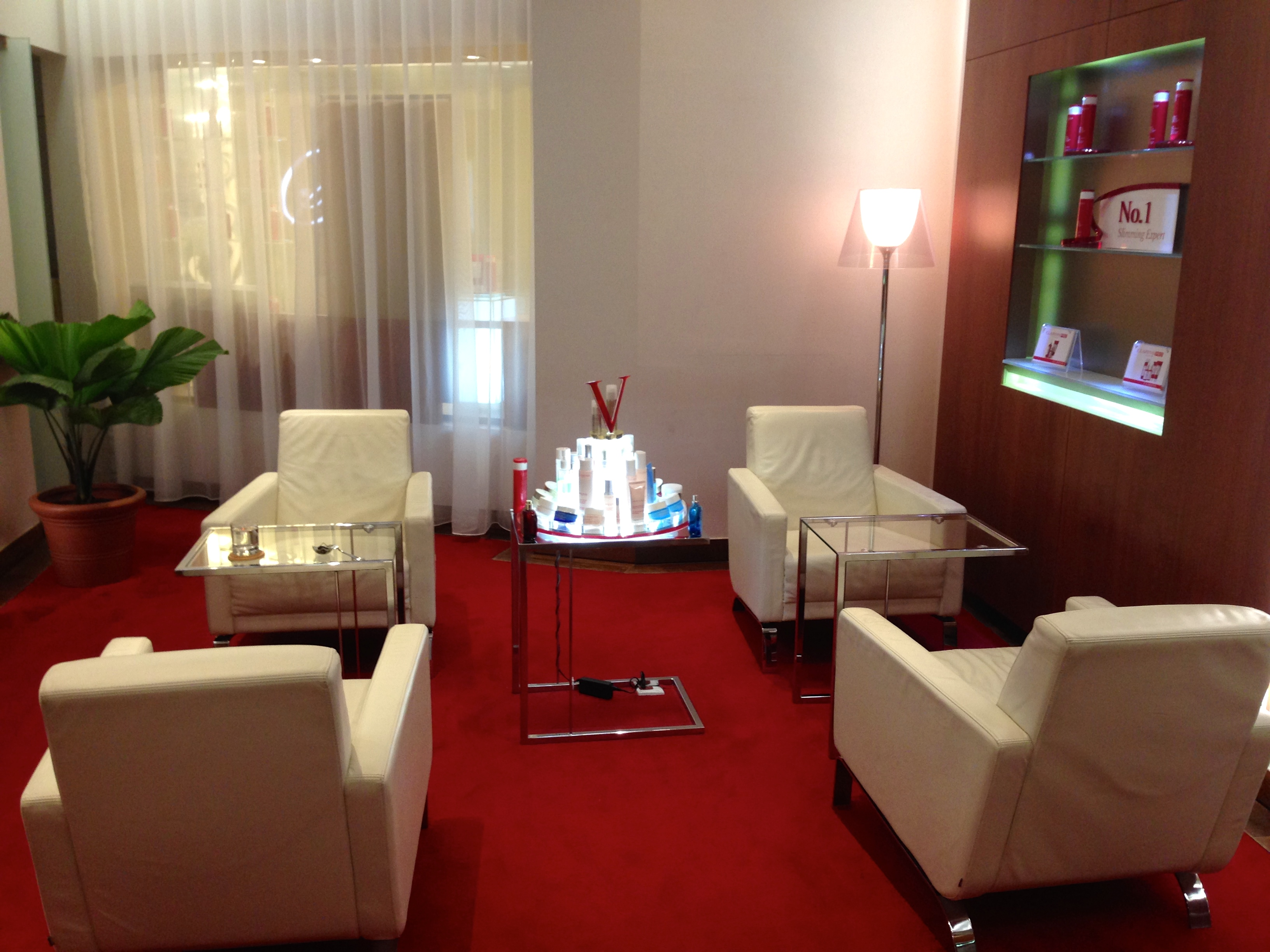 Best facial clarins spa foodin 39 kl for Clarins salon